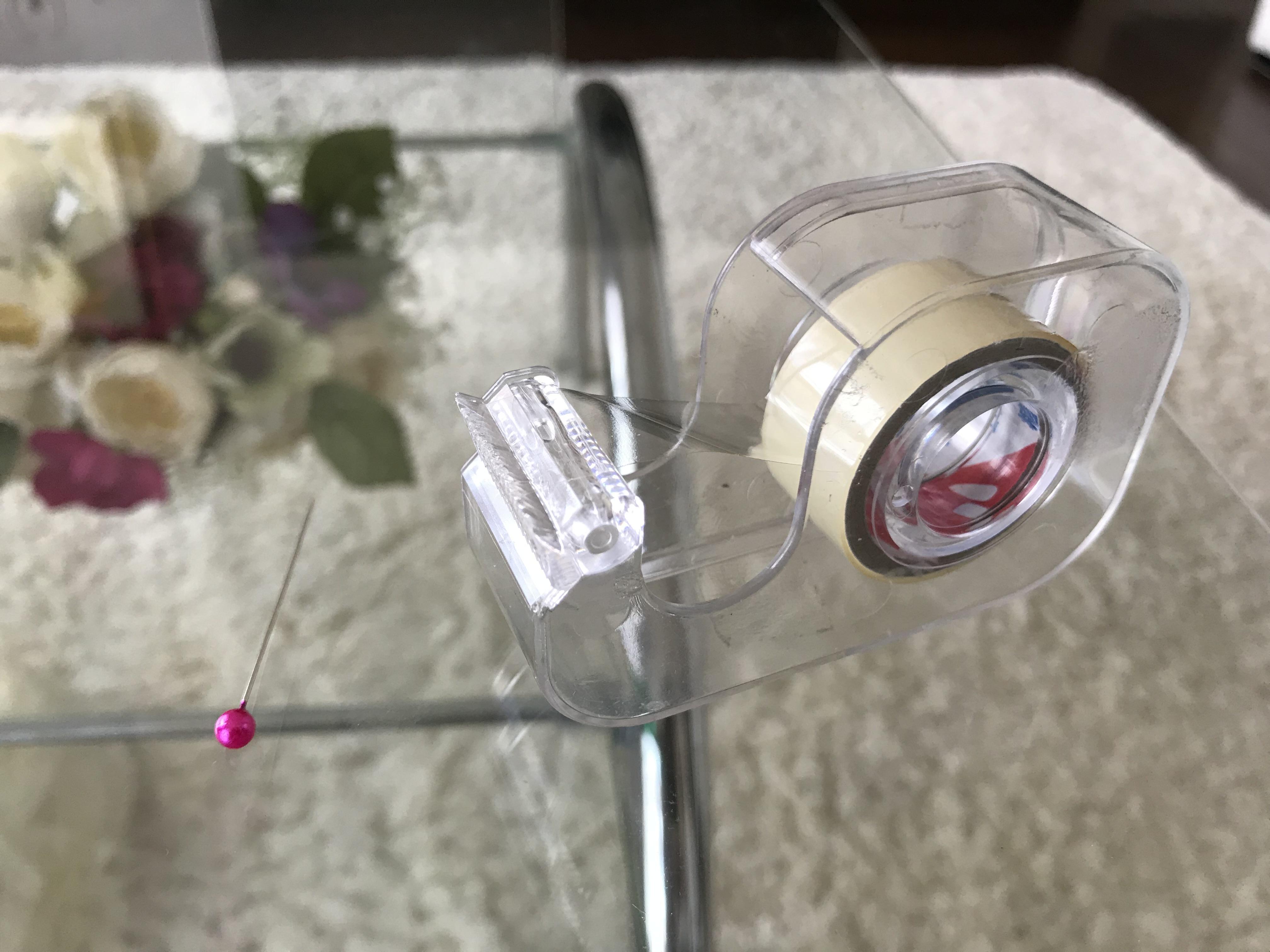 マチ針とセロテープ