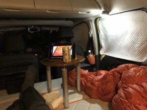 BRISIE LEDランタンの車内風景