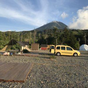 カングーで車中泊|登山の前夜泊やキャンプで映えるカングーの魅力