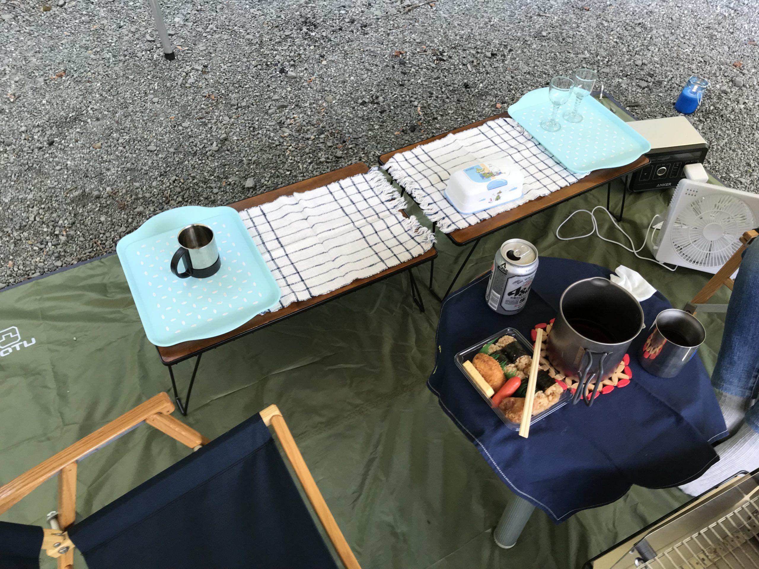 ユニフレームフィールドラックテーブルでキャンプ