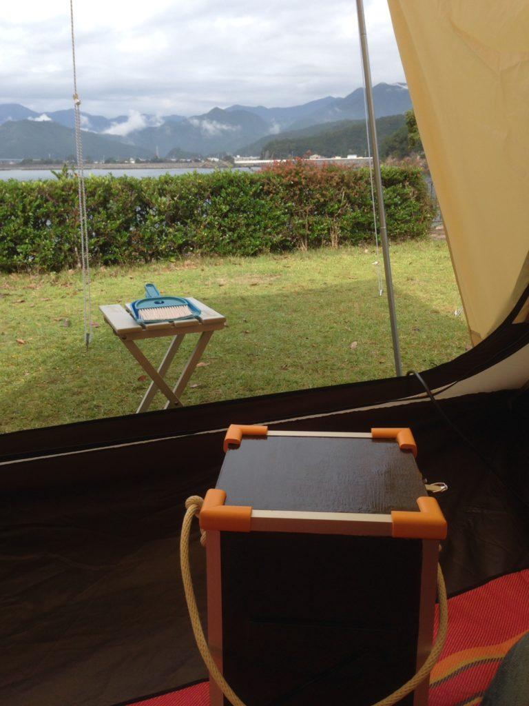 ノーススターランタンケースをテント内で使う2