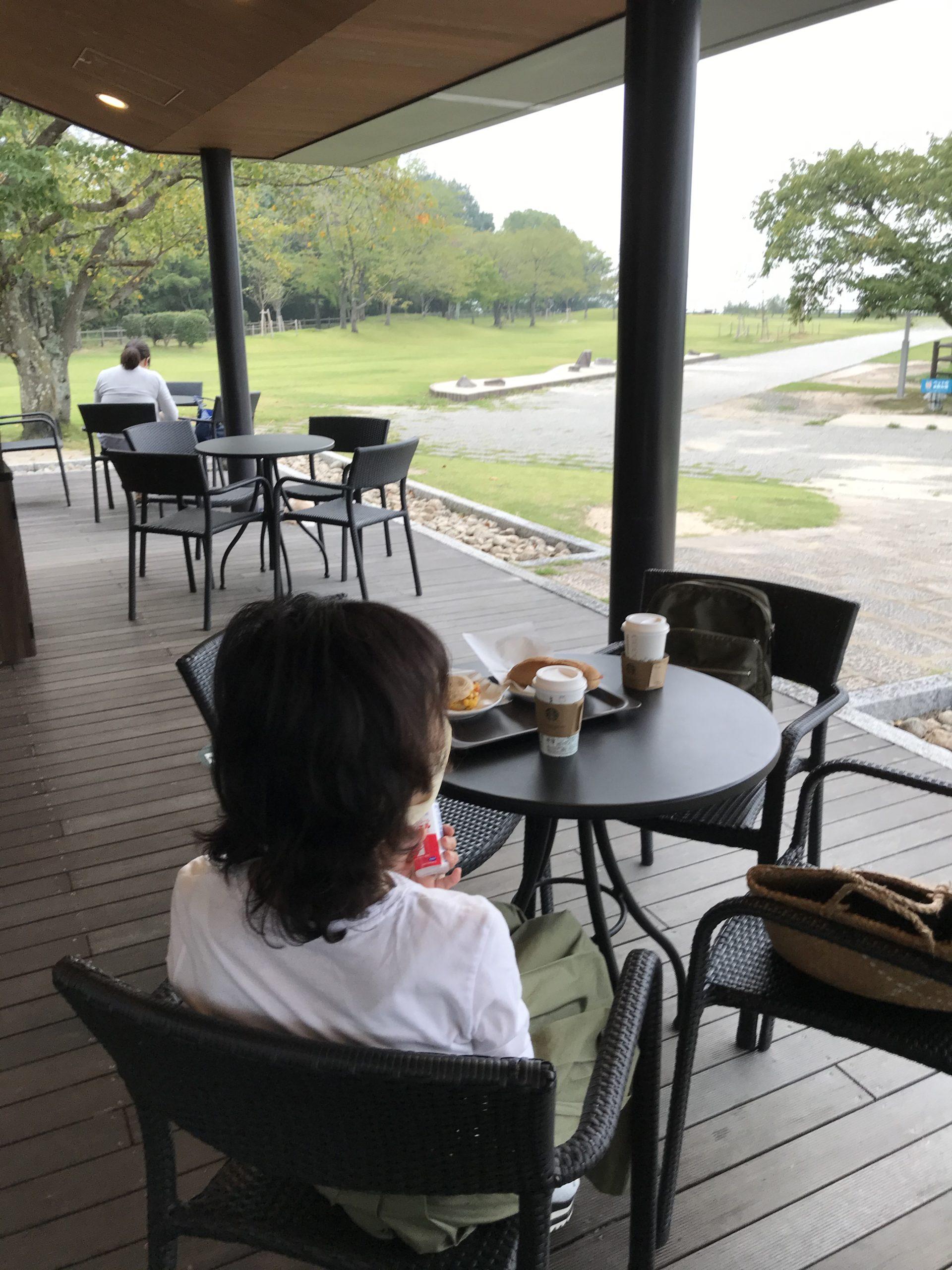 宮島サービスエリアのスタバで朝食2