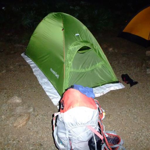 タイベックを登山テントの下に敷く