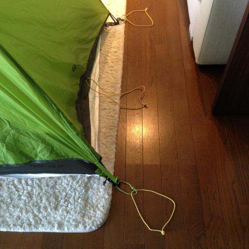 グランドシートをテントにセット2